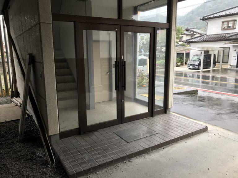 飯塚事務所・店舗 入口